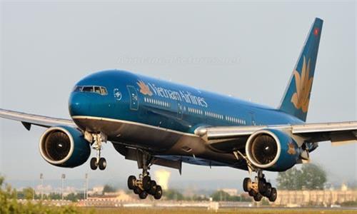 Máy bay Vietnam Airlines hạ cánh khẩn cấp do hành khách bất tỉnh
