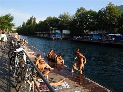 Zurich: Không chỉ là tài chính và nước sốt