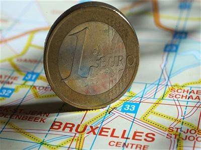 Eurozone nới lỏng chuẩn cho vay đối với nợ doanh nghiệp
