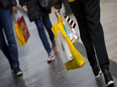Niềm tin người tiêu dùng: Kẻ nói tăng, người bảo giảm