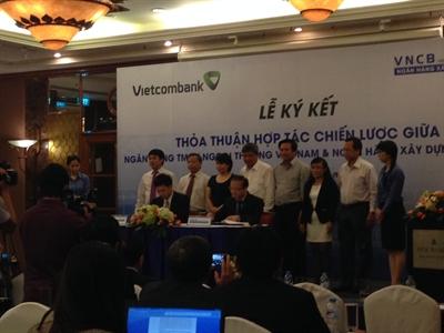 Vietcombank ký hợp đồng hợp tác toàn diện, chiến lược với VNCB