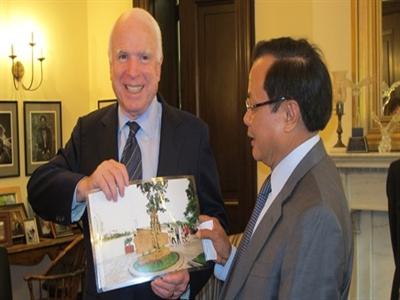 Một tuần công du nước Mỹ của ông Phạm Quang Nghị