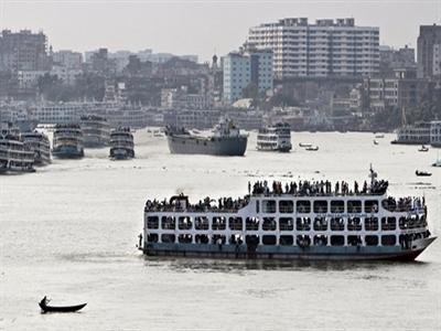 Lật chuyến phà chở 250 người tại Bangladesh