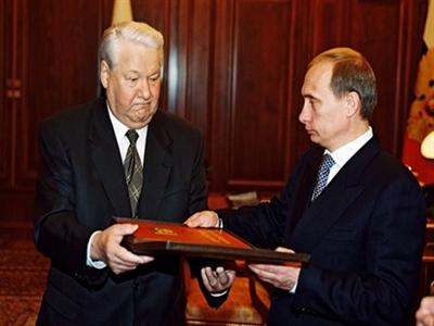 Sóng gió 14 năm cầm quyền của Putin