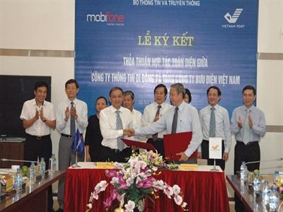 Mobifone và Vietnam Post ký thỏa thuận hợp tác toàn diện