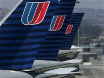 Máy bay của United Airlines hạ cánh khẩn cấp do sự cố cháy