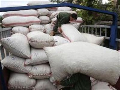 Reuters: Doanh nghiệp Việt giảm nhập hàng Trung Quốc, chờ TPP