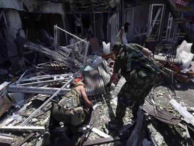Miền đông Ukraine nguy ngập, NATO cáo buộc Nga sắp đưa quân vào
