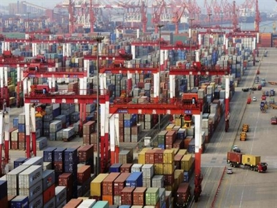 Thặng dư thương mại Trung Quốc lên kỷ lục trong tháng 7