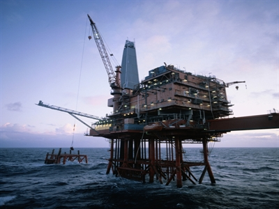 Giá dầu tăng sau đợt không kích của Mỹ tại Iraq