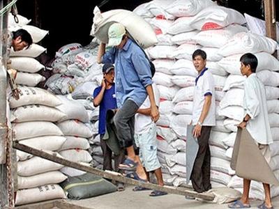 Trung Quốc cấm nhập khẩu gạo tiểu ngạch từ Việt Nam
