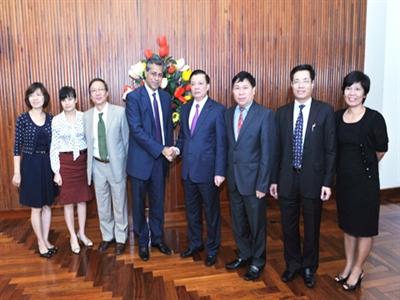 Bộ Tài chính Việt Nam tăng cường phối hợp với IMF