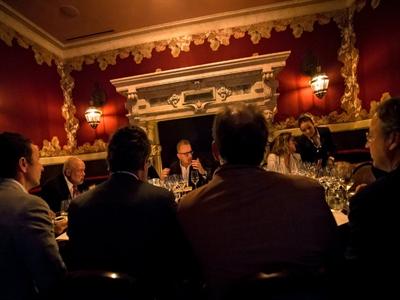 Nhâm nhi Dom Pérignon qua nhiều thập kỷ