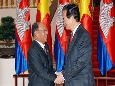 Đề nghị Campuchia không để tái diễn biểu tình, đốt cờ Việt Nam
