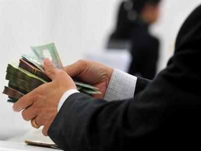 Phí phạt trả nợ ngân hàng trước hạn tới 9% dư nợ gốc