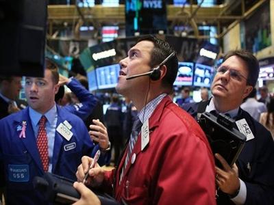 Căng thẳng chiến sự toàn cầu lắng dịu đẩy chứng khoán Mỹ tăng