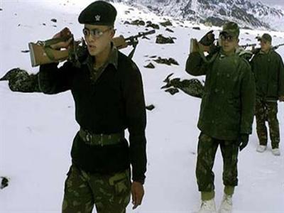 Ấn Độ đưa tên lửa phòng không tới khu vực đông bắc đối phó Trung Quốc
