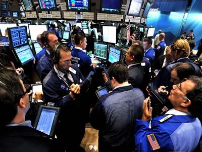 S&P 500 bất ngờ giảm điểm