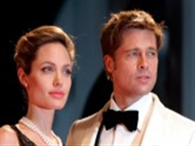 Angelina Jolie và Brad Pitt đã cưới nhau!