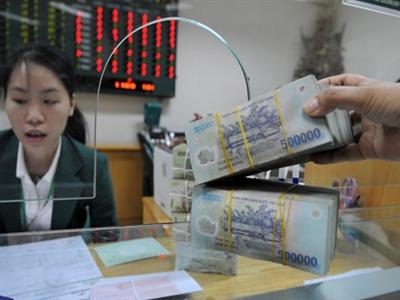 Tín dụng tăng thấp, lãi thuần ngân hàng vẫn cao