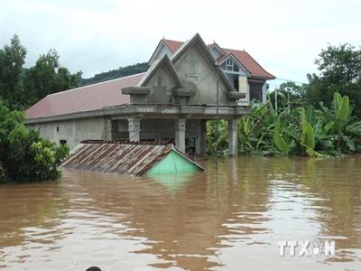 Chính phủ sẽ hỗ trợ hộ nghèo miền Trung xây nhà tránh bão