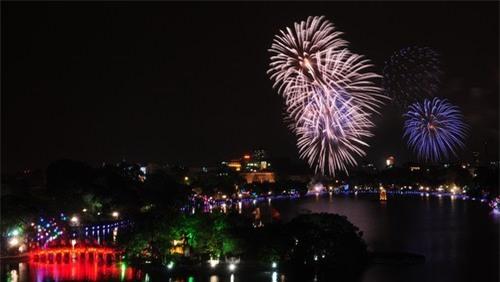 Hà Nội bắn pháo hoa tại 30 điểm dịp kỷ niệm giải phóng Thủ đô 10/10