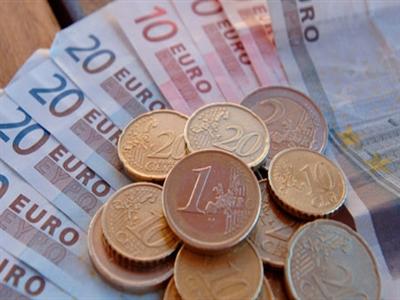 Giới đầu tư quay lưng với euro