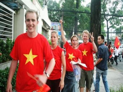 Hai bộ cùng xin miễn visa cho du khách 9 nước