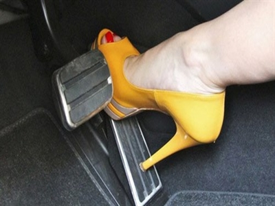 Lái xe an toàn nhờ đi giày chuẩn