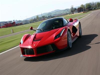 Bí mật của Ferrari: Có tiền đừng tưởng mua được tiên