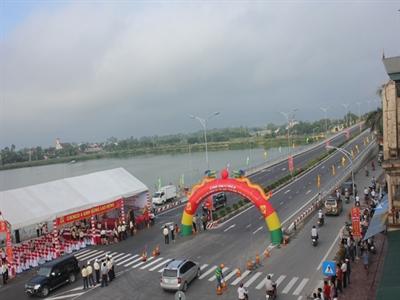 Thông xe cầu vượt đường sắt Bắc - Nam tại Nghệ An