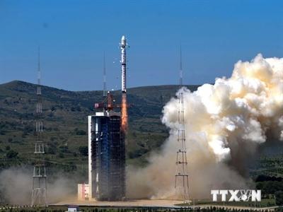 Trung Quốc phóng hai vệ tinh