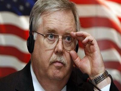 Tân Đại sứ Mỹ tại Nga John Tefft đến Moskva nhận nhiệm vụ