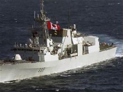 Chiến đấu cơ Nga áp sát tàu chiến Canada ở Biển Đen