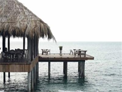 Tránh phố, ra đảo hoang Campuchia hưởng xa xỉ chân trần