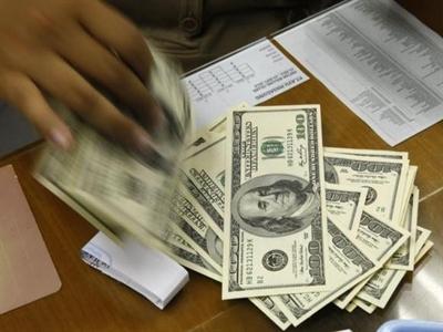 USD tiếp tục tăng giá mạnh