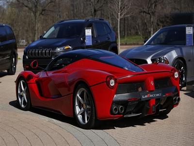 Chiều chuộng nhà giàu, Ferrari tăng lượng sản xuất xe