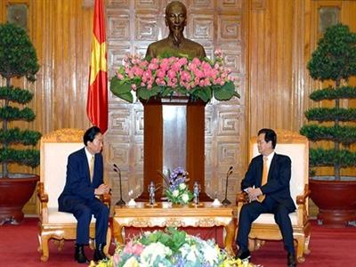Thủ tướng Nguyễn Tấn Dũng tiếp nguyên Thủ tướng Nhật Bản
