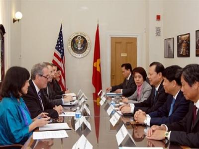 Phó Thủ tướng Vũ Văn Ninh gặp Bộ trưởng Tài chính, Thương mại Hoa Kỳ