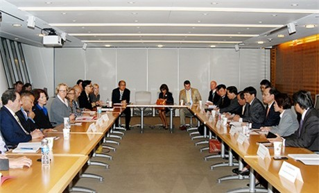 Phó Thủ tướng Vũ Văn Ninh tiếp cộng đồng doanh nghiệp Mỹ