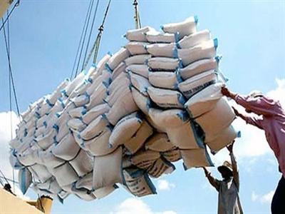 Nửa đầu tháng 9 thâm hụt thương mại 955 triệu USD