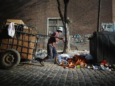 World Bank: Nguy cơ nghèo đói của Argentina tăng 4 lần