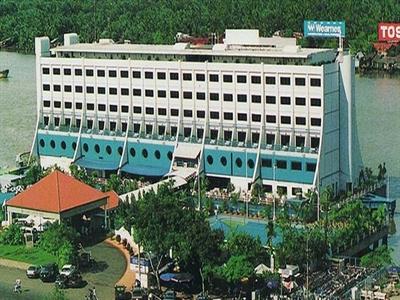 Khách sạn nổi và hành trình từ Sài Gòn tới Triều Tiên