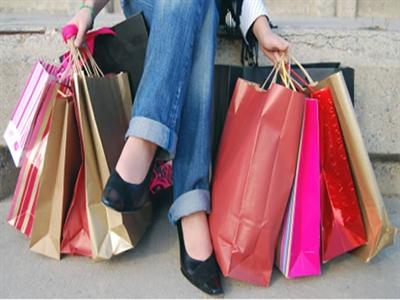 Niềm tin tiêu dùng Mỹ xuống thấp nhất gần 4 tháng
