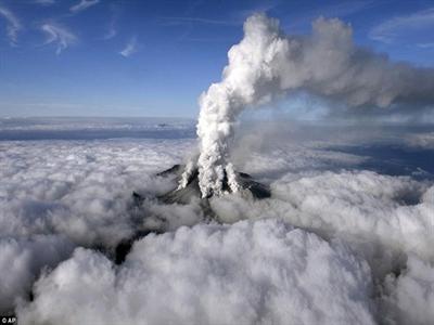 Nhật Bản phát hiện hơn 30 người nguy kịch trên núi lửa Ontake