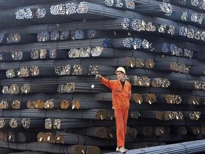 Nhu cầu thép Trung Quốc giảm lần đầu tiên 14 năm qua