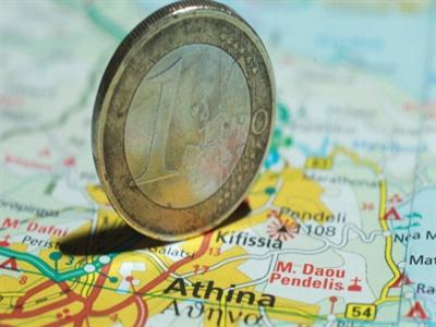 Nomura: Euro sẽ giảm xuống 1,2 USD vào giữa năm 2015