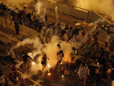Biểu tình rúng động Hong Kong