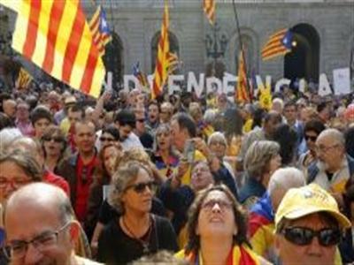 Tây Ban Nha chặn trưng cầu dân ý độc lập của xứ Catalonia