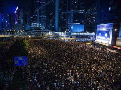 Người biểu tình Hong Kong ra tối hậu thư cho chính quyền